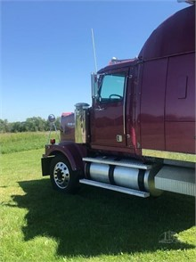 WESTERN STAR 4900 Conventional Trucks W/ Sleeper For Sale