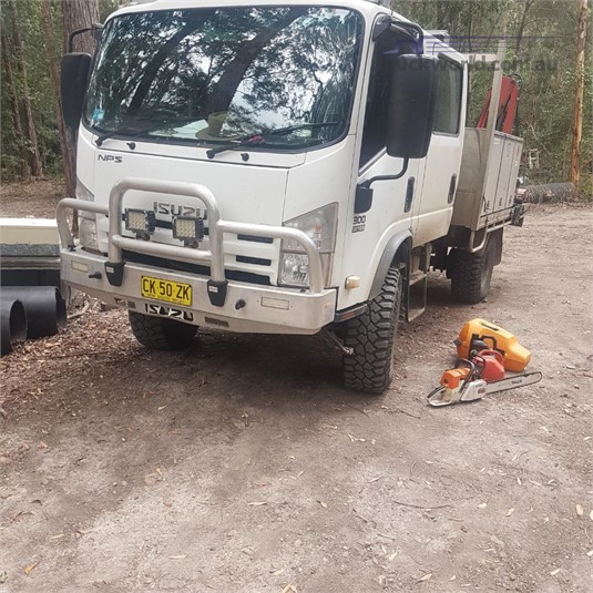 2011 Isuzu NPS 300 4x4 Crew - Trucks for Sale