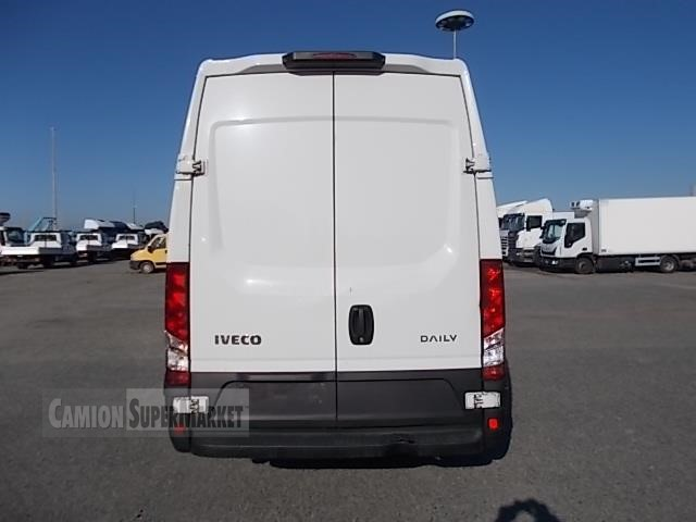 Iveco DAILY 35S13 used 2016 Valle D'Aosta