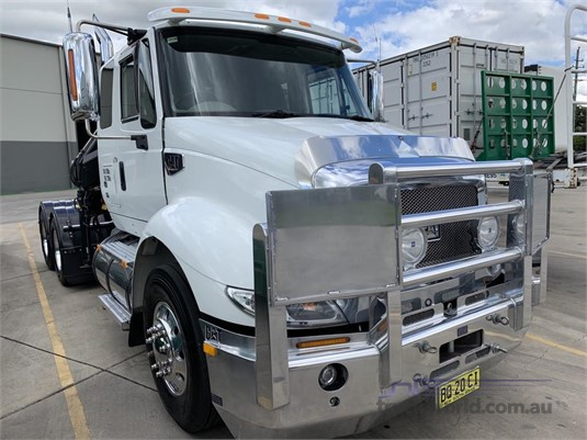 2010 Cat other - Trucks for Sale