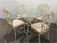 Glasstop Table w/ 4 Metal Chairs Q11C