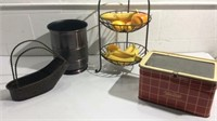 A collection of Metal Decor Items K14C