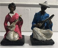 2 Ceramic Figurines Playing Instruments Y12D