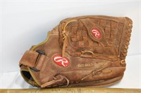 Rawlings Leather Baseball Glove & Louisville Bat