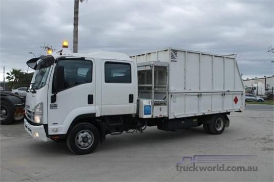 2011 Isuzu FRR 600 North East Isuzu - Trucks for Sale