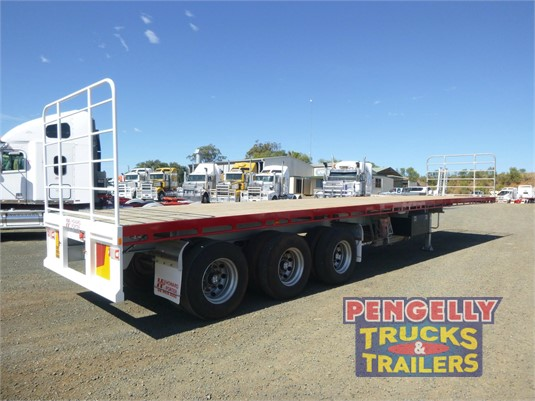 2012 Howard Porter Flat Top Trailer Pengelly Truck & Trailer Sales & Service - Trailers for Sale