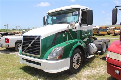 VOLVO VNL Conventional Day Cab Trucks For Sale In USA - 1332