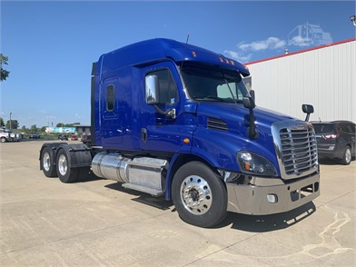 Used Trucks For Sale By QUAD CITY PETERBILT - 37 Listings