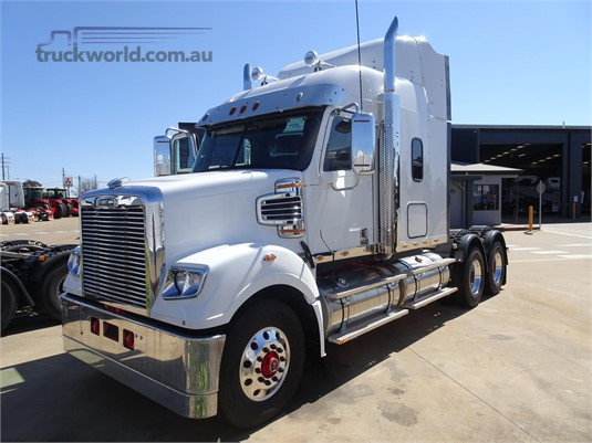 2018 Freightliner Coronado 114 - Trucks for Sale
