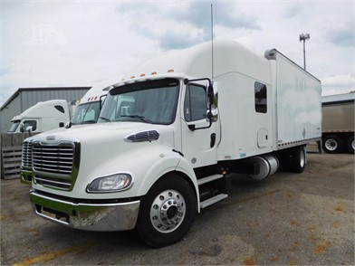 FREIGHTLINER BUSINESS CLASS M2 Expeditor Trucks / Hot Shot