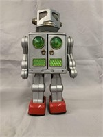 Attacking Martian Robot Battery Operated Boxed.