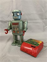 R-35 Electric Remote Control Battery Op Robot.