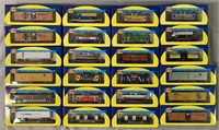 24 Athearn HO Freight Cars