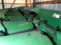 John Deere 843 oil drive corn head