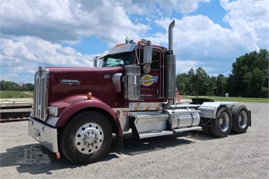 KENWORTH W900 Conventional Day Cab Trucks For Sale - 219