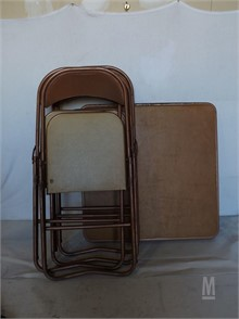 Table A Carte Avec 4 Chaises Other Items For Sale 1