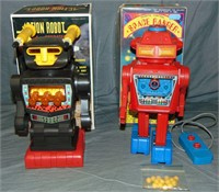 2 Boxed Battery-Op Robots
