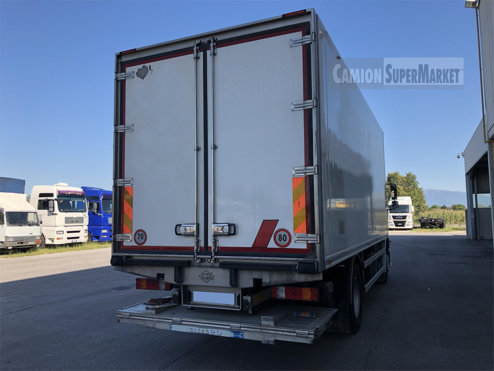 Mercedes-Benz 1833 used 2010