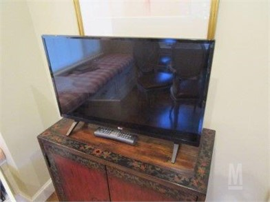 Sensational 28 Lg Flat Screen T V Other Items For Sale 1 Listings Gmtry Best Dining Table And Chair Ideas Images Gmtryco