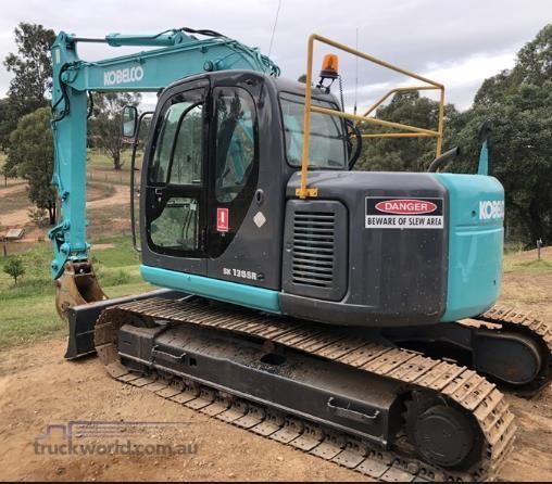 Kobelco SK135SR-1ES Excavators - Tracked heavy machinery for