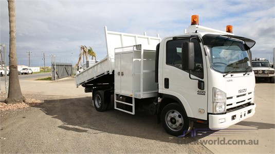 2011 Isuzu NPR 400 North East Isuzu - Trucks for Sale