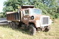 Ford 9000 Series Dump Truck