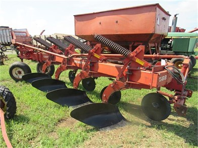 WHITE 588 4B PLOW Other Online Auctions - 1 Listings