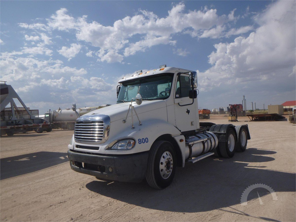 AuctionTime com | 2005 FREIGHTLINER COLUMBIA 112 Online Auctions