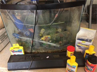 E126 Aquarium Full Of Supplies Otros Artículos Para La - 20 roblox spray paint id gang pictures and ideas on stem