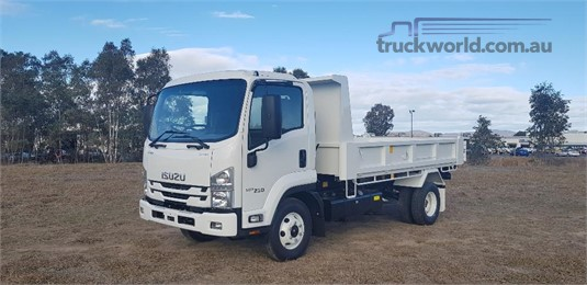 2019 Isuzu FRR Blacklocks Truck Centre - Trucks for Sale