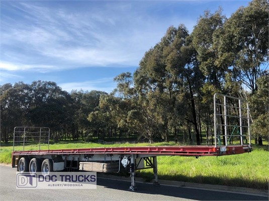 2010 Krueger Flat Top Trailer DOC Trucks - Trailers for Sale