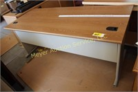 Desk on Metal Legs