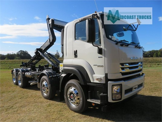 2019 Isuzu FYJ 2000 Long Midcoast Trucks - Trucks for Sale