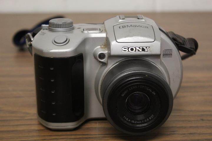 Sony CD Mavica Digital Still Camera | Lincoln Crum Auctions