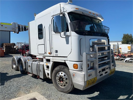 2007 Freightliner Argosy - Wrecking for Sale