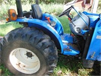 35hp New Holland tractor w/loader