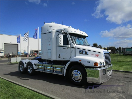 2012 Freightliner COLUMBIA 112 - Trucks for Sale