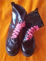 Boots; Black