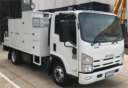 2010 Isuzu NPR 300 - Trucks for Sale