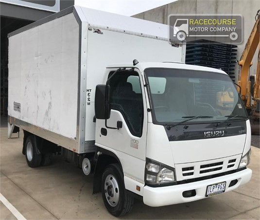 2007 Isuzu NPR 300 Racecourse Motor Company - Trucks for Sale