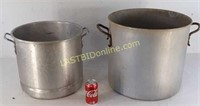 2 Commercial Pots