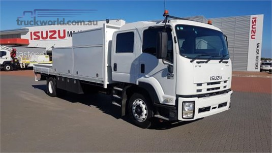 2011 Isuzu FTR 900 Premium Crew Cab - Trucks for Sale