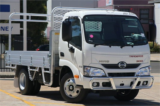 Hino 300 Series Table / Tray Top Drop Sides
