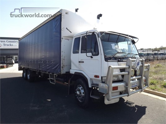 2004 UD PK265  - Trucks for Sale
