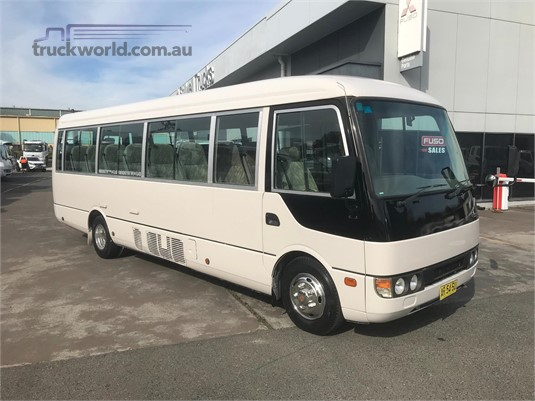 2002 Mitsubishi other - Buses for Sale