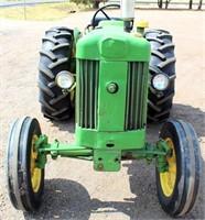 1959 John Deere 430 Tractor (view 2)