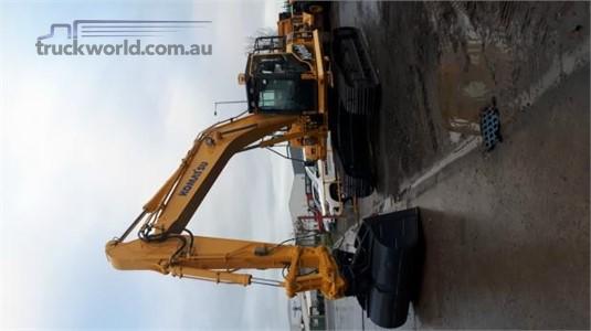 2014 Komatsu HB215 LC-1 - Heavy Machinery for Sale