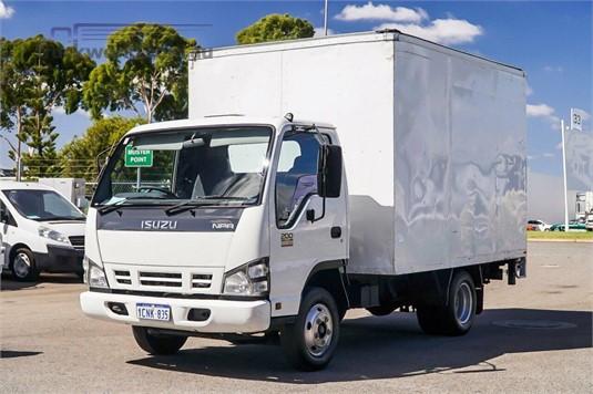 2007 Isuzu NPR WA Hino - Trucks for Sale