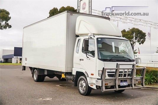 2010 Mitsubishi Fighter 14 WA Hino - Trucks for Sale