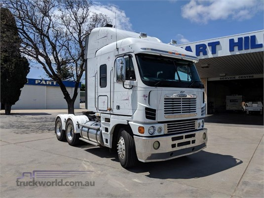 2009 Freightliner Argosy 101 - Trucks for Sale